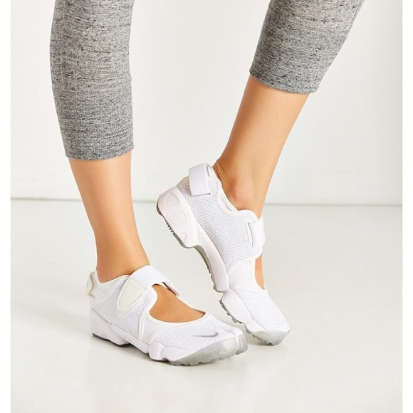 Nike Shoes | Nike White Leather Air